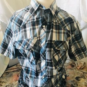 Other - 2 short sleeve button down shirts